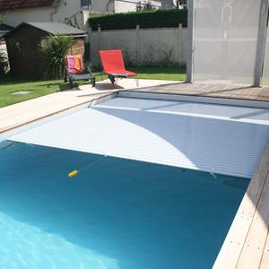 Couvertures piscines vente equipement de piscine nice 06 for Piscine equipement