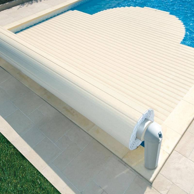 Couvertures piscines vente equipement de piscine nice 06 for Couverture de piscine