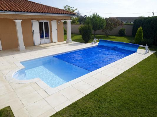 Couvertures piscines vente equipement de piscine nice 06 for Equipement piscine