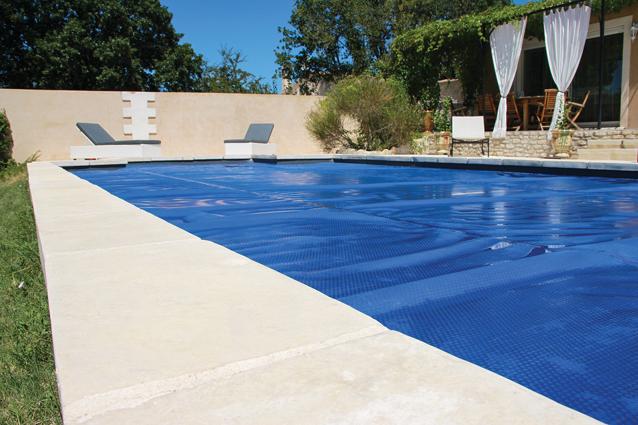 Couvertures piscines vente equipement de piscine nice 06 for Equipement de piscine