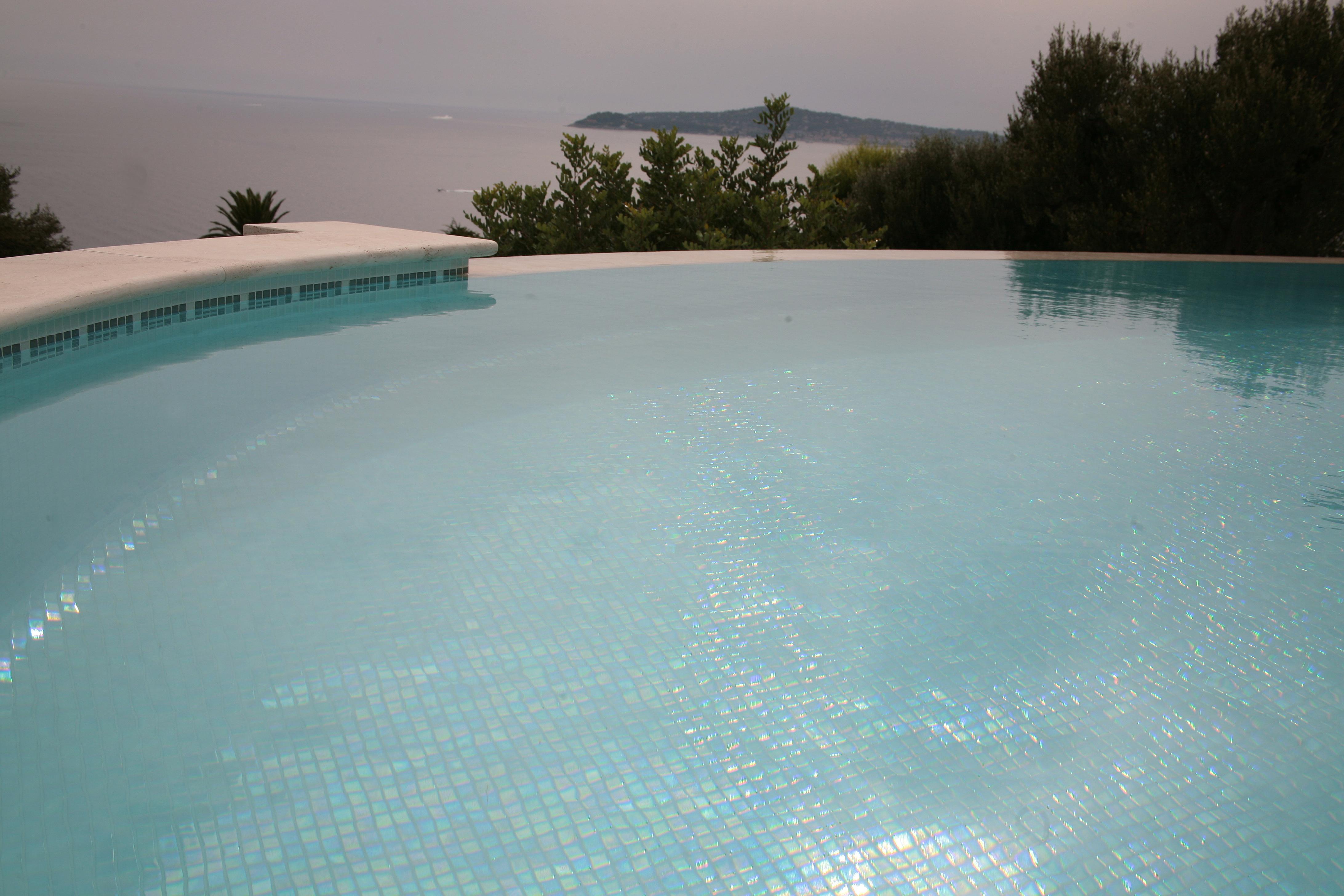 L 39 entretien de votre piscine nice 06 cannes antibes Piscine entretien