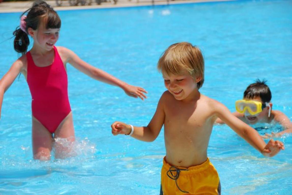 Nettoyage eau de baignade piscine - Vasta Piscine - Saint-Laurent-du-Var 06